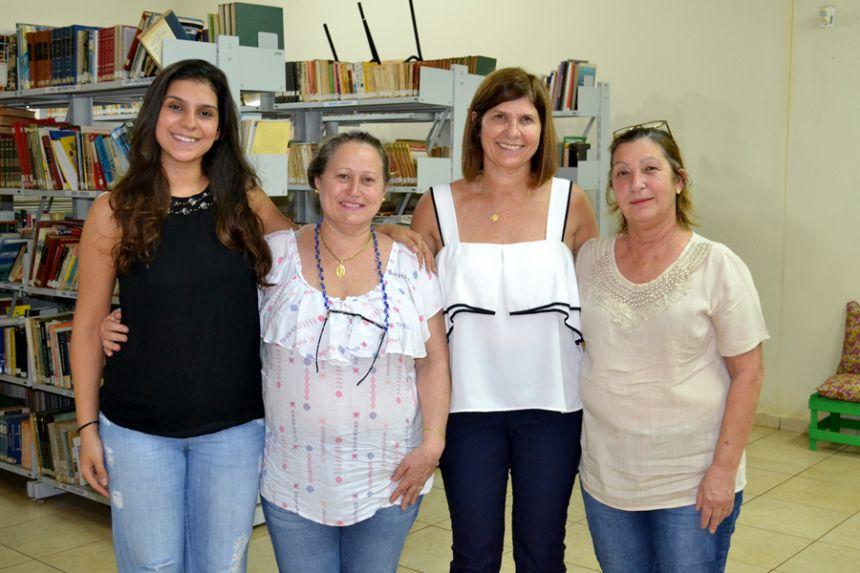 Professoras da educação especial assistem palestra sobre vida de Tião Balalão