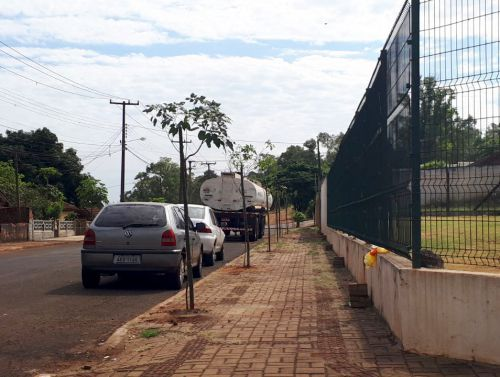 Governo Municipal instala novas lixeiras na cidade