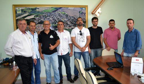 Membros do Conseg de Peabiru conhecem sistema de monitoramento de São Pedro do Ivaí
