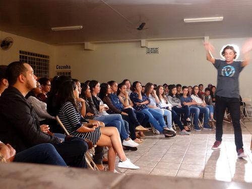 Fernando Borghi retorna a São Pedro do Ivaí em novo show de humor
