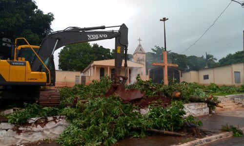 Prefeitura inicia obras de revitalização da Praça São José, no Distrito Marisa
