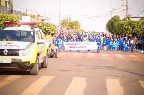 Em comemoração ao Dia da Independência, Desfile Cívico emociona público