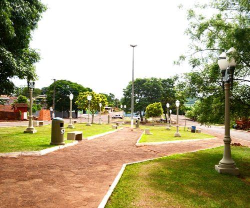 Com recursos próprios, prefeitura de SPI revitaliza praça no Distrito Marisa