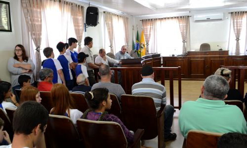 Prefeito José Isalberti recebe comunidade para discutir segurança pública