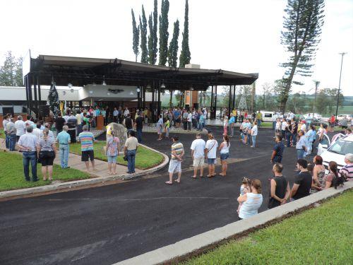 Regina entrega praças e terminal rodoviário à população