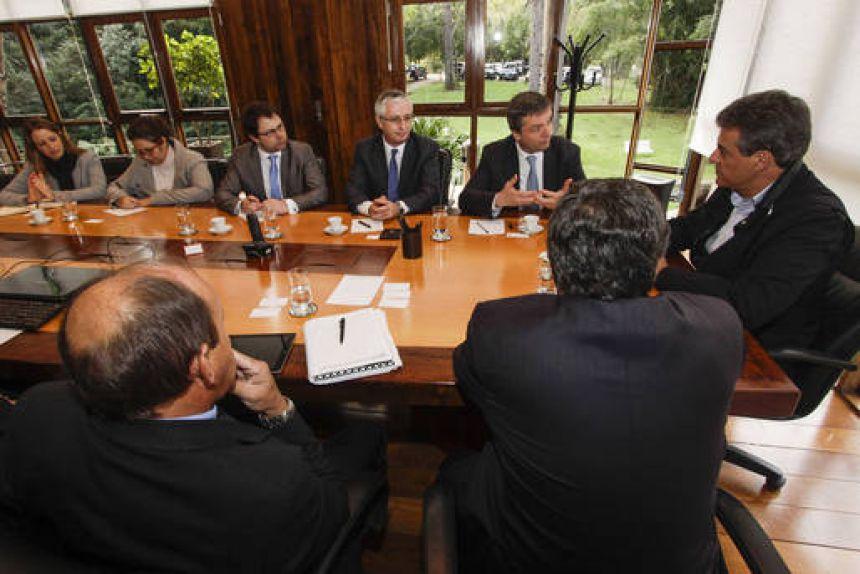 Paraná avança nas negociações para aquisição de vacina contra a dengue