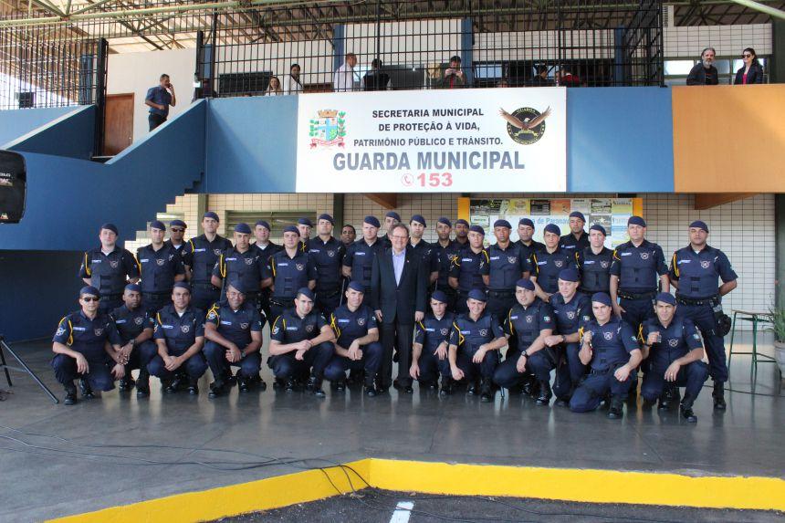 """Lorenzetti: """"Mirem-se nas polícias militar e civil para conduzirem a vossa missão. Eu confio em vocês"""""""