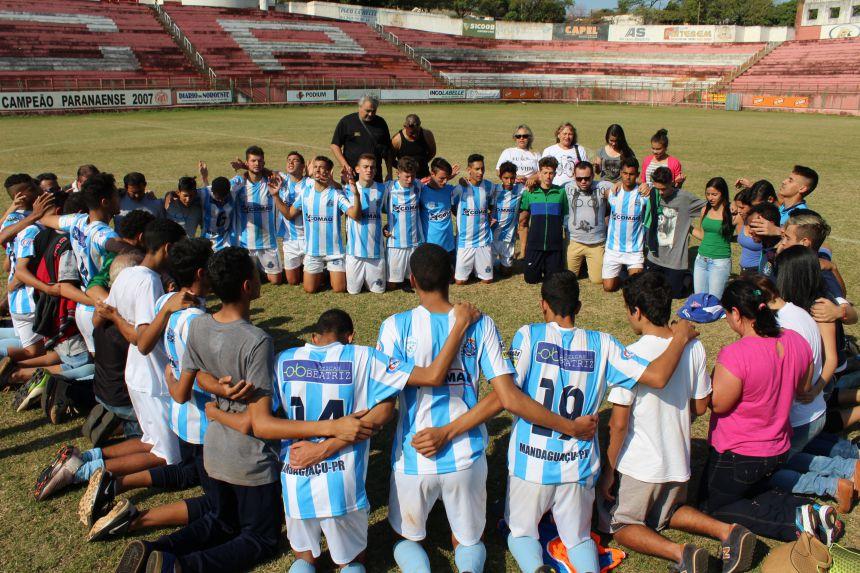 Equipe de Mandaguaçu é campeã da 1ª Copa Internacional de Futebol de Base de Paranavaí