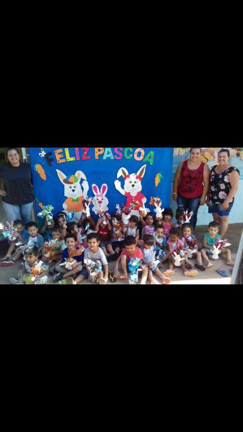 Entrega dos ovos de Páscoa para as crianças da Rede Municipal de Ensino do Município de Uniflor