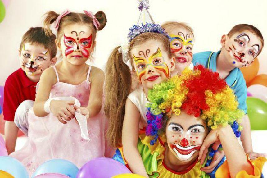 Três dias de muita folia; Carnaval de rua;Matinê infantil e Carnaval da melhor idade...