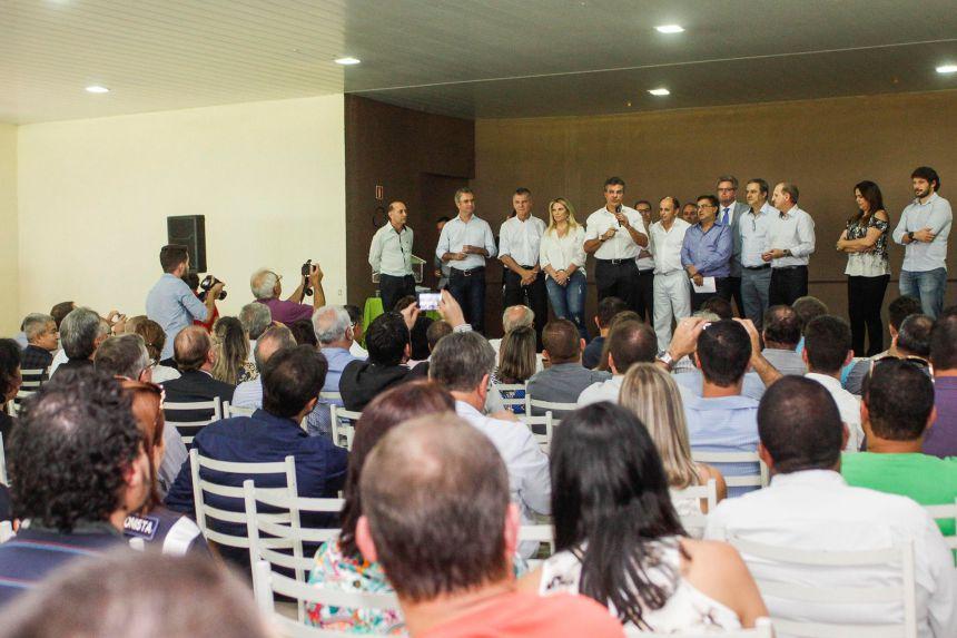 O governador Beto Richa inaugurou o serviço aeromédico para o Noroeste do Paraná