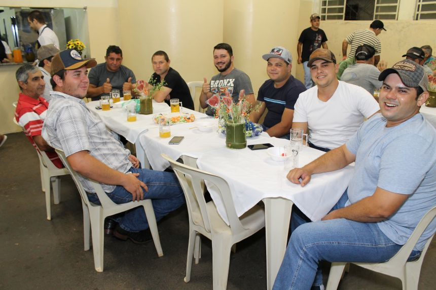 Prefeitura promove jantar em comemoração ao Dia dos Pais