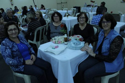 Prefeitura promove jantar ao Grupo Reviver