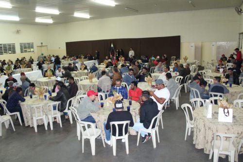 Prefeitura e Câmara Municipal promovem jantar em comemoração ao Dia dos Pais