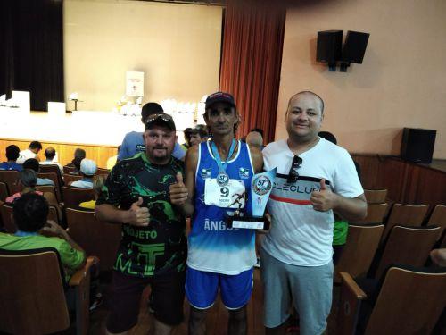 """Atleta angulense conquista troféu e medalha de bronze na """"Prova 28 de Janeiro"""" em Apucarana"""