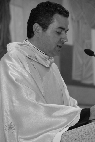 Noite Santa - Vigília Pascal - Benção do Fogo e Missa