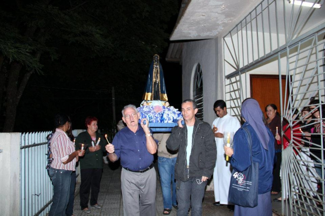 Comunidade Nossa Senhora Aparecida - Momento com Maria.