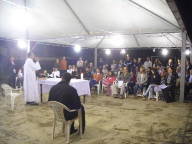 Missa na Comunidade Comunidade São Maximiliano Maria Kolbe - Residência do Sr. Antonio Pascoal Lorencete