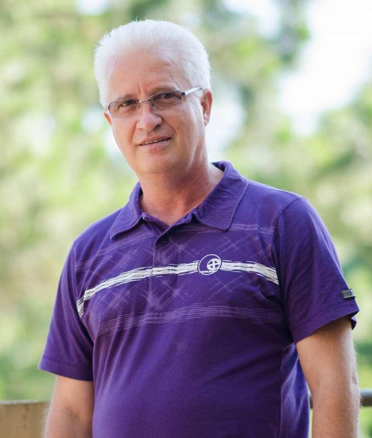 Padre Nelson Molina