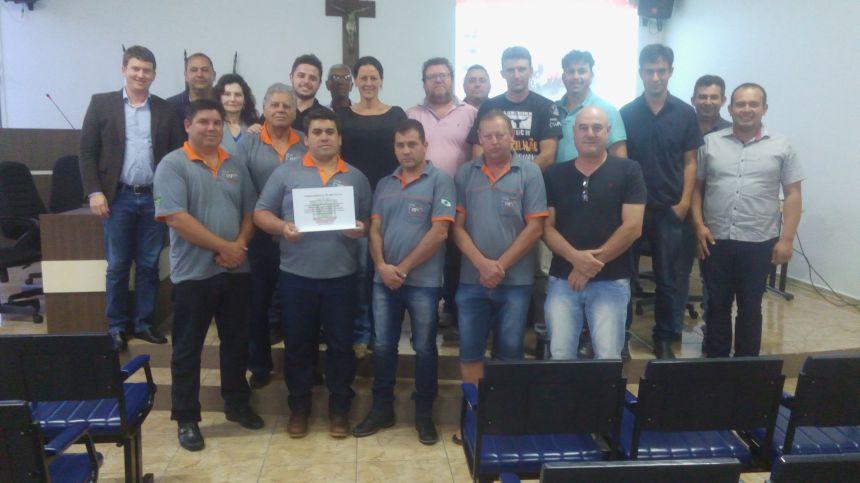 Jeep Clube de Imbituva recebe Moção de Congratulações e Aplausos pelos serviços prestados a Comunidade Imbituvense