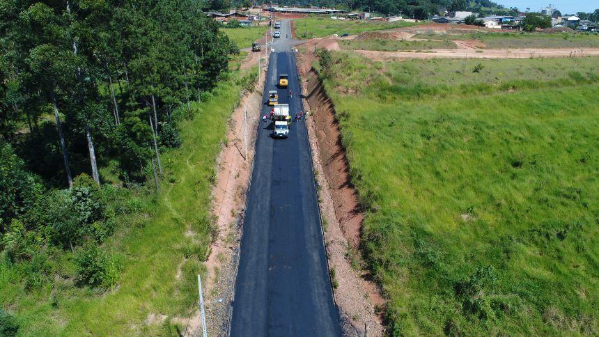 Prefeitura inicia obras de pavimentação asfáltica