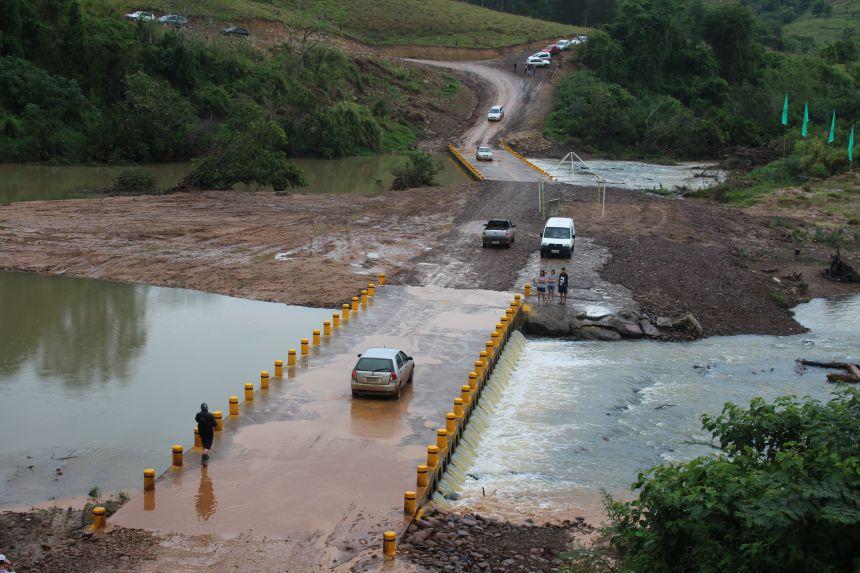 INAUGURAÇÃO DA PONTE MOLHADA SOBRE O RIO DO PEIXE