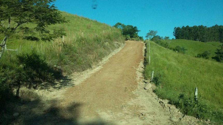 Recuperação de estradas no Quinhão Cinco