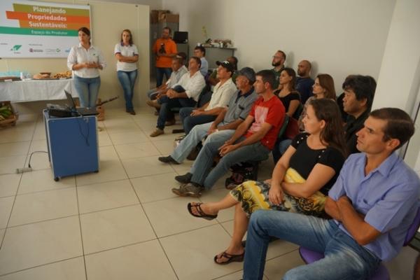 Inaugurado Espa�o do Produtor na Secretaria de Agricultura