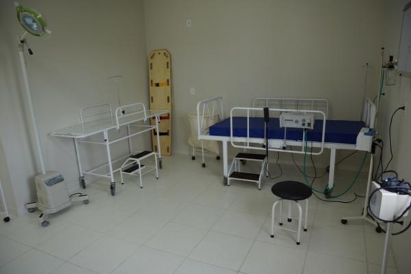 Inauguradas sala de emerg�ncia e amplia��es de escolas