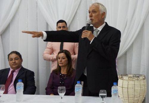 Eleitos para o Executivo e Legislativo tomam posse