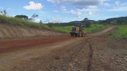 Alargamento e Manutenção de Estradas do Interior
