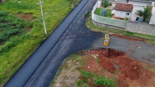 Obras de Pavimentação asfáltica  continuam a todo vapor