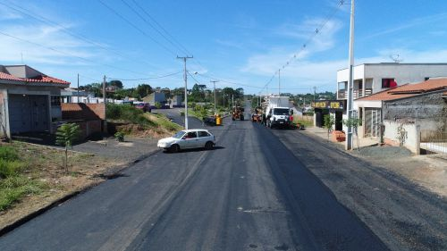 Obra de pavimentação asfáltica continua a todo vapor no Município de Ortigueira
