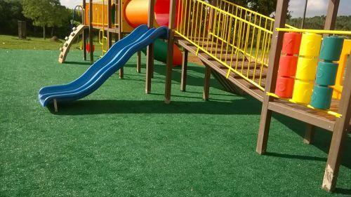 Prefeitura instala 15 parques de brinquedos