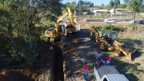 Prefeitura inicia implantação de tubulação no Jardim Mariceu