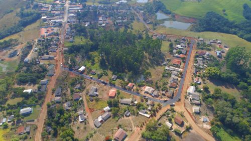 Moradores do Natingui comemoram início da pavimentação asfáltica