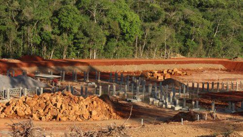 Ampliação do Lago Municipal e Terraplanagem Para Construção do Ginásio de Esportes Municipal