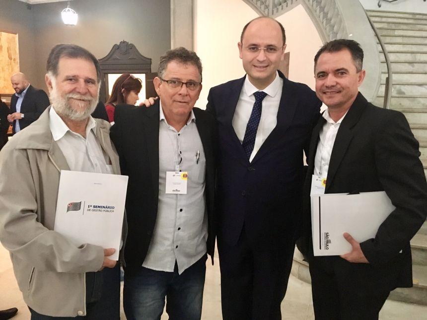 Prefeito Val Dantas participa de Seminário de Gestão Pública e recebe anúncio de verba