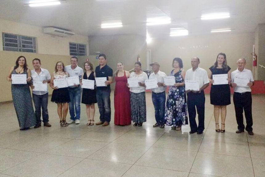 Participantes receberam certificados do Projeto de Dança de Salão