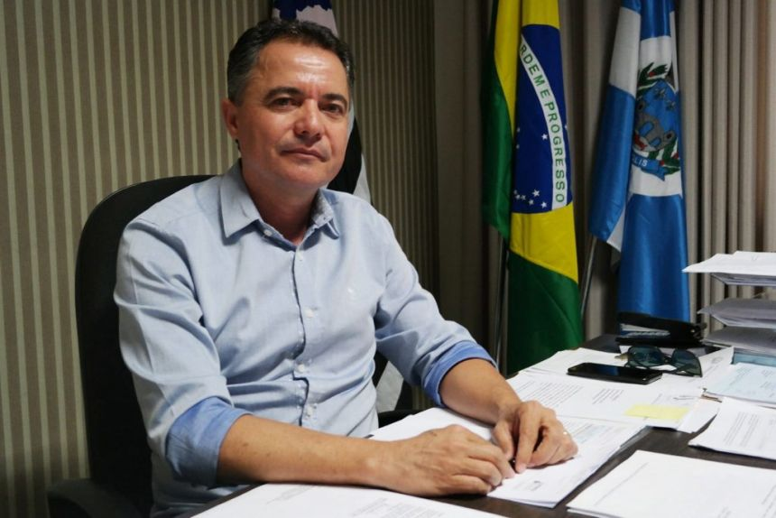 Prefeito Val Dantas concede aumento salarial aos servidores públicos de Mariápolis