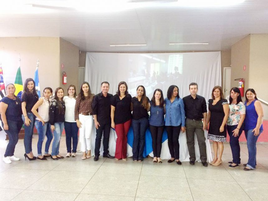 Autoridades e participantes do evento
