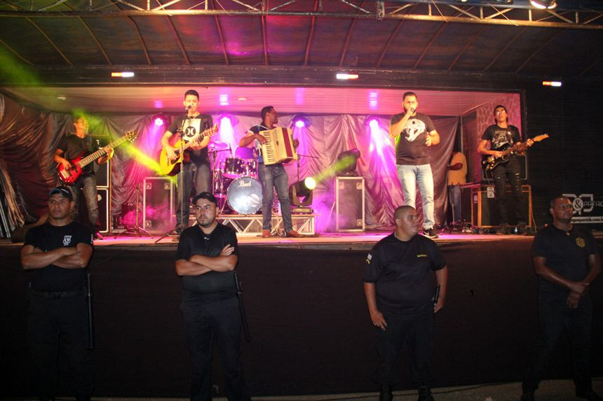 Pedro Henrique & Trevisan e Banda animaram o anivers�rio da cidade