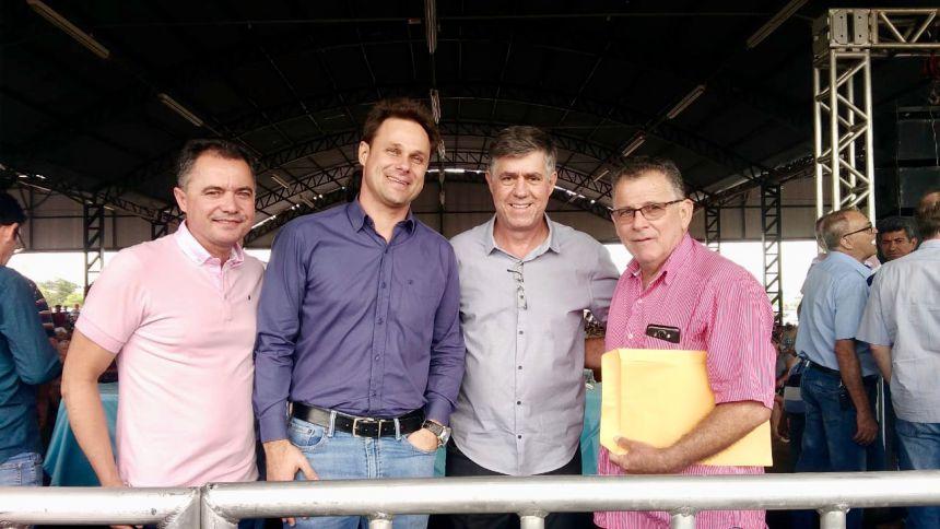 Prefeito Val Dantas encontra com presidente da CDHU em Adamantina e faz reivindicações