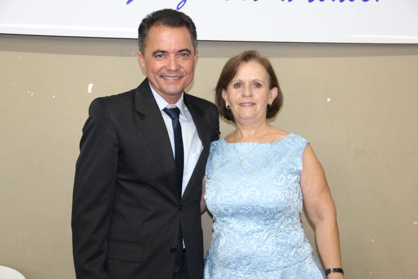 Val Dantas foi empossado prefeito de Mariápolis juntamente com a vice e vereadores