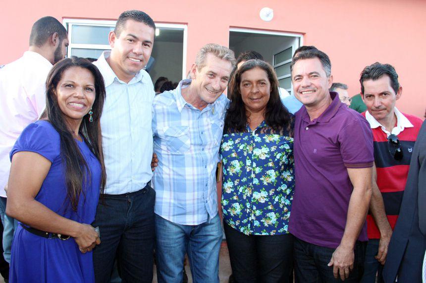 Mariápolis participa de entrega de moradias com governador em Lucélia