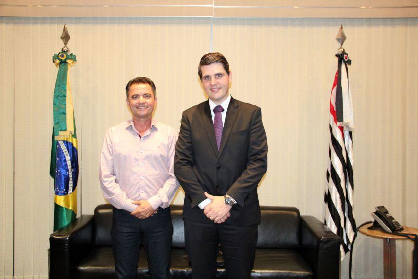 Prefeito em audiência com presidente da Assembleia Cauê Macris