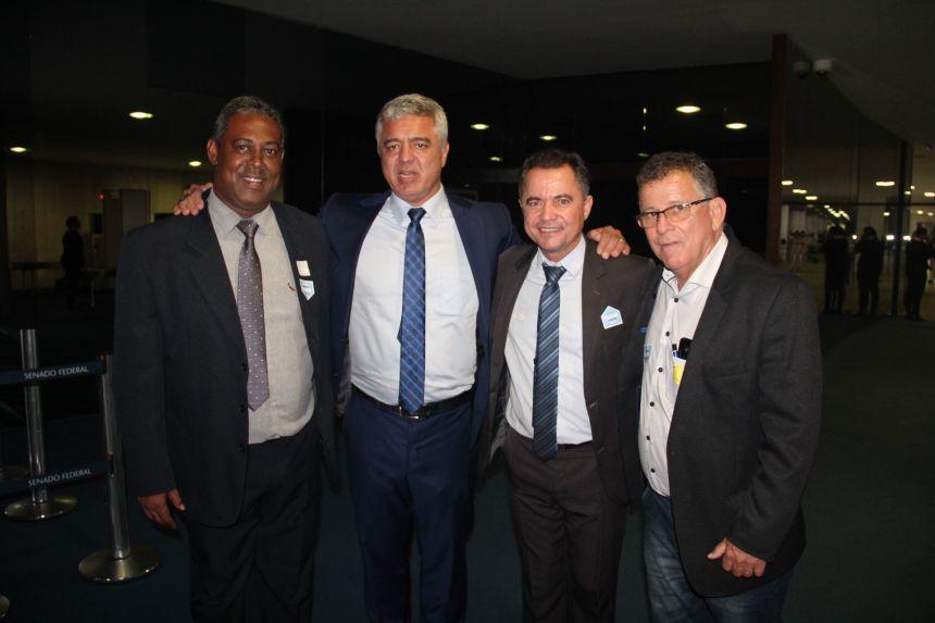 Prefeitos Maurilei (Pracinha), Senador Major Olimpio, Val Dantas (Mari�polis) e Froio (Fl�rida Paulista)