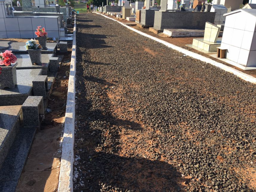 Cemitério recebe melhorias