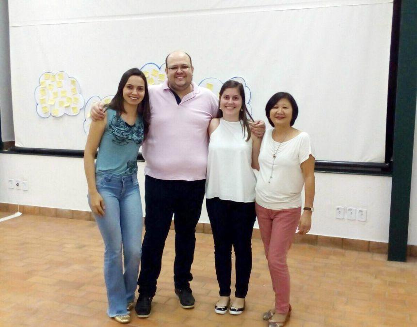Ana Paula e Rafaela com palestrantes da capacitação