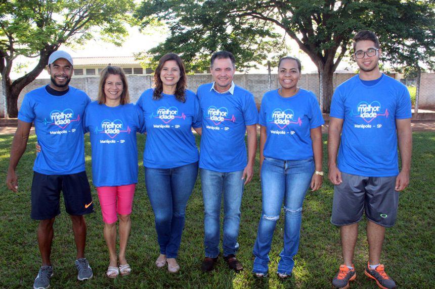 Professor Hudson, coordenadora do Cras Lucimar Barbosa, primeira-dama Rose Barbosa, prefeito Val Dantas, assistente social Mônica e estagiário Cainan